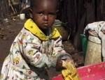 Stichting Parking Boys Nairobi helpt deze kinderen en hun moeders. De moeders krijgen een maandvergoeding, zodat ze het kind thuis goed kunnen verzorgen. De Stichting betaalt alle schoolgelden, kleding en schoolspullen van de kinderen. Bij ziekten betaalt de Stichting alle dokterskosten en medicijnen