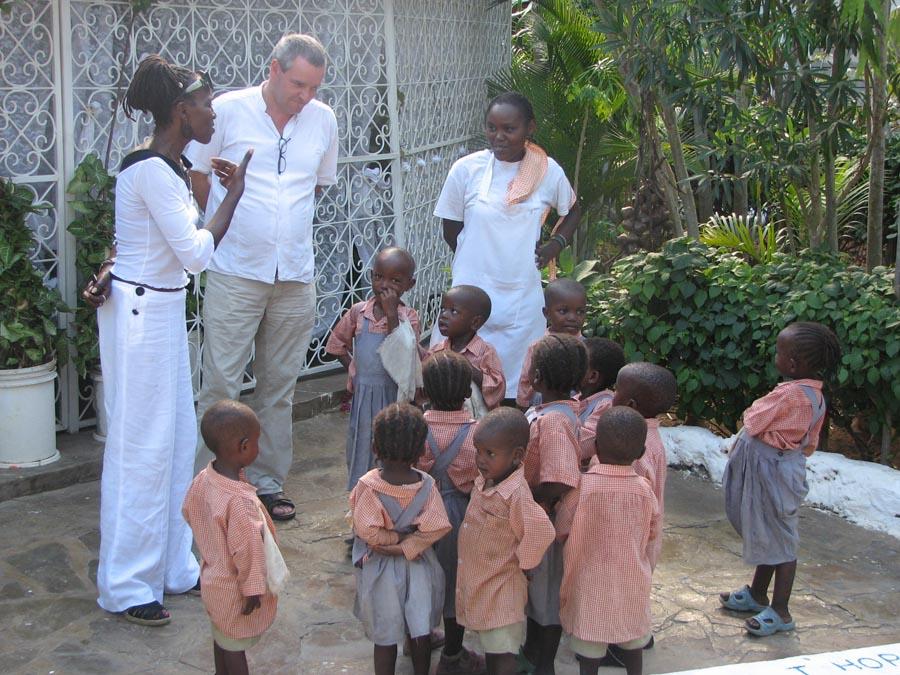 kinderen klaar voor school Malindi