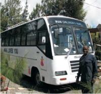 Nieuwe bus voor Imani