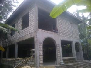Nieuwe eetzaal in aanbouw in Imani malindi1379_402351599874867_1828446509_n