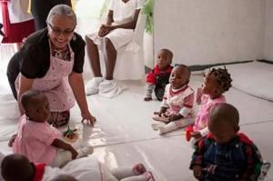 Margaret Kenyatta op bezoek bij de Imani Baby's 15 oktober 2013